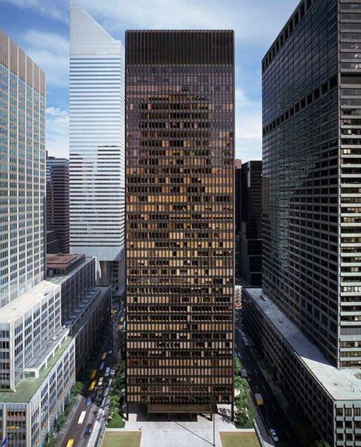 ساختمان Seagram در نیویورک   چیدمانه